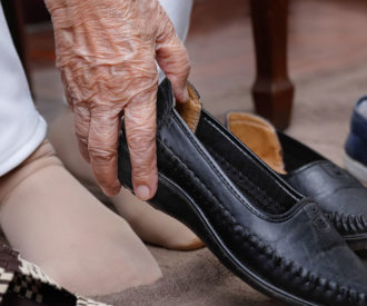 adaptive shoes for seniors