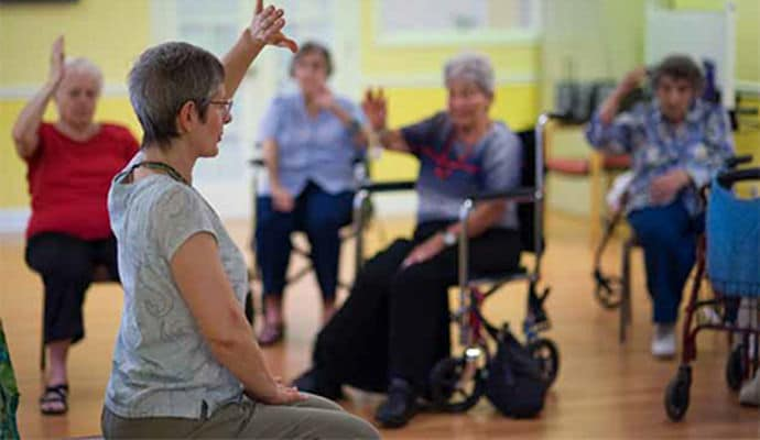 Seated Tai Chi For Seniors 3 Simple Routines Improve Flexibility And Well Being Video Dailycaring